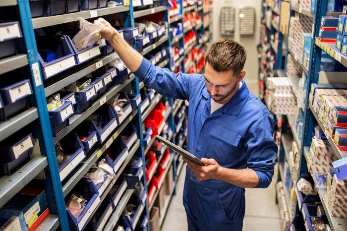 Custos diretos e indiretos na montagem de placas eletrônicas
